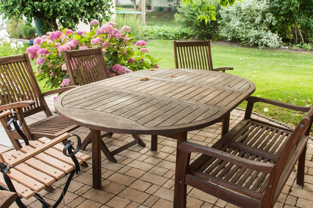 Find et nemt lån til nye havemøbler og nyd sommeren udenfor