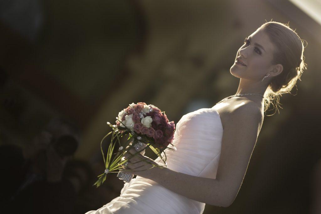 Lån penge nemt til brudekjolen