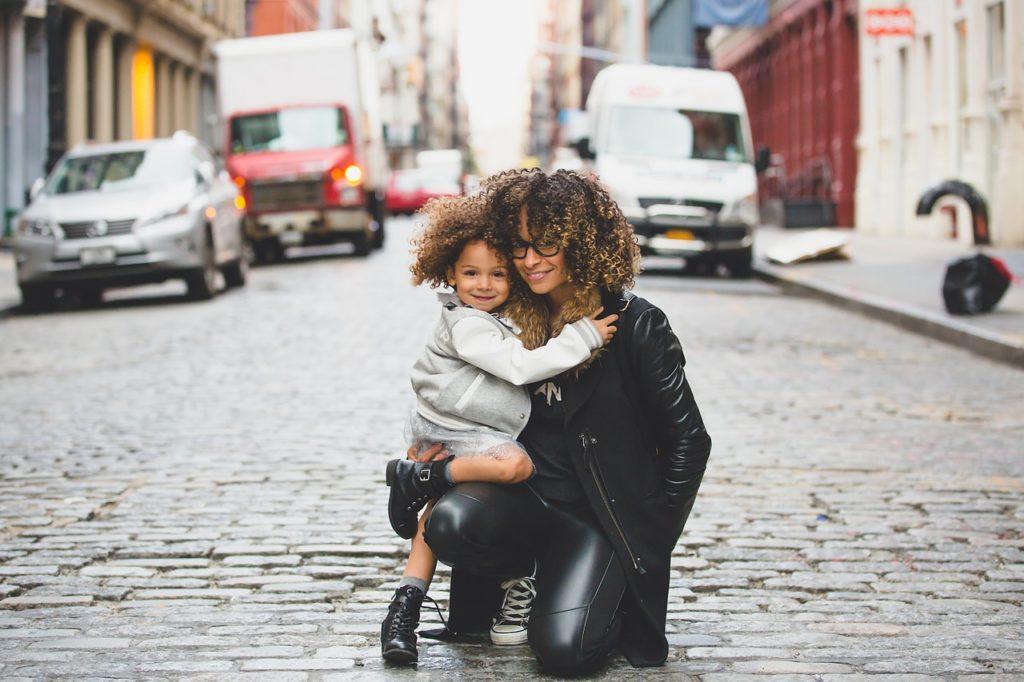 enlige mødre tilskud