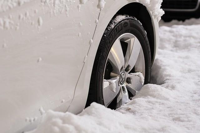 få råd til vinterdæk med et nemt lån online